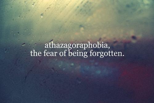 athazagoraphobia