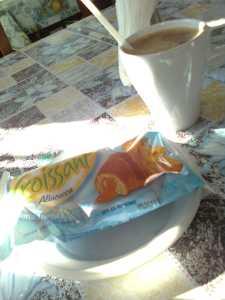 Croissant ja kohv