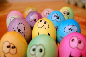 funny-easter-egg_faces