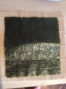 ruudukujuline nori-leht matil